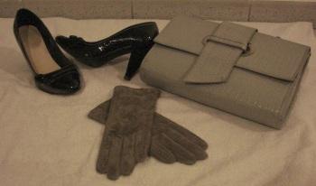 Torebka, buty i nowe rękawiczki.